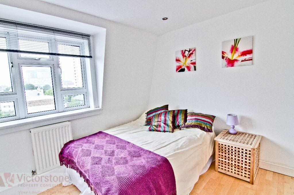 NICE 4 BEDROOM FLAT 10 MIN FROM SHADWELL STATION