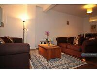 2 bedroom flat in A Windmill Lane, Greenford, UB6 (2 bed) (#1117982)