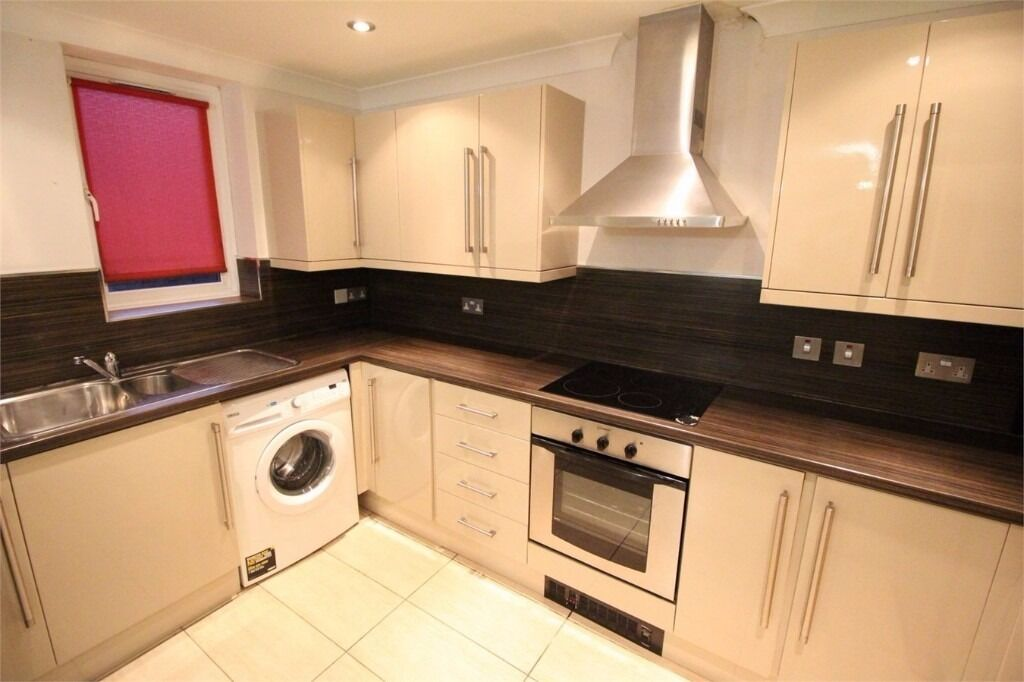 AVAILABLE NOW!! Modern ground floor 1 bedroom flat on Monarch Drive, Victoria Dock, E16 3UB