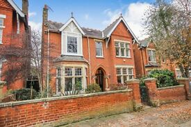 A substantial 5 bedroom property set in the heart of Ealing