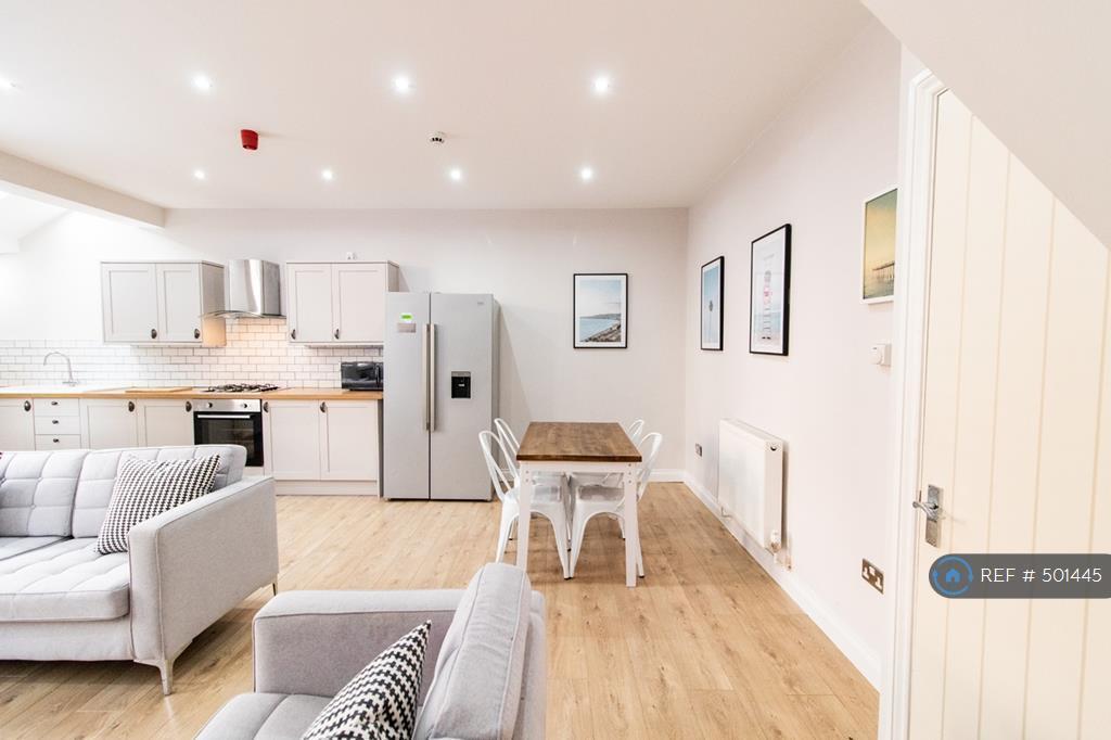 6 Bedroom House In Avondale Road Liverpool L15 6 Bed In Smithdown Road Merseyside Gumtree