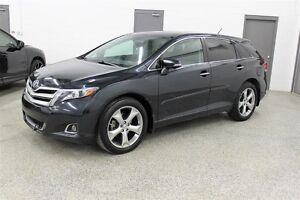 2013 Toyota Venza V6- One owner, Leather, Moonroof, AWD