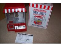 Candy Grabber Novelty Game Plays music and brilliant fun J10 M25 Surrey