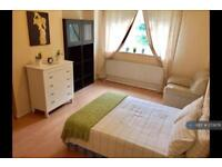 1 bedroom in Cumberland House, Kingston Hill, KT2