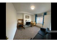 1 bedroom flat in Hendon Lane, Finchley, London, N3 (1 bed) (#1074797)