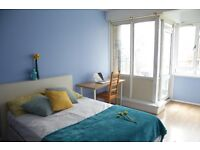 Fantastically located 3 bedroom flat with fantastic transport links (OPPOSITE QM UNIVERSITY)