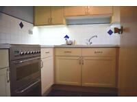 2 bedroom flat in Wavers Close, Isleworth