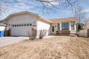1345 Benjamin Cres N, Lakeridge - Great Family Home!