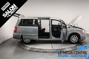 2014 Chrysler Town & Country Touring, STOW AND GO, MAGS