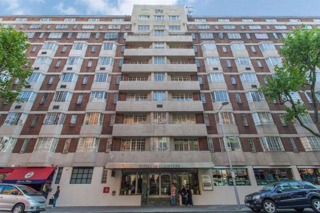 1 bedroom flat in Sloane Avenue, Chelsea SW3