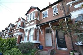 2 bedroom flat in Park Hall Road, East Finchley, N2