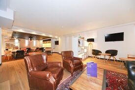 Luxury Living! Gym, Concierge- Great Views.