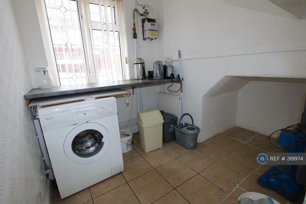 3 bedroom house in Cheshire View, Brymbo, Wrexham,