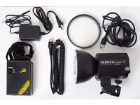 Cononmark DLCD2.0 GN72 200Ws Strobe / Flash Kit, battery, bag