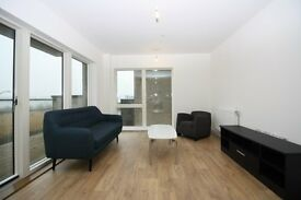BRAND NEW 2 BED 2 BATH WTH RIVER VIEW IS E16 GALLIONS REACH BAWLEY COURT £330PW