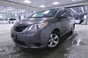 2013 Toyota Sienna LE, PWR SLIDING DOORS, ONE OWNER RHT ORIGINAL