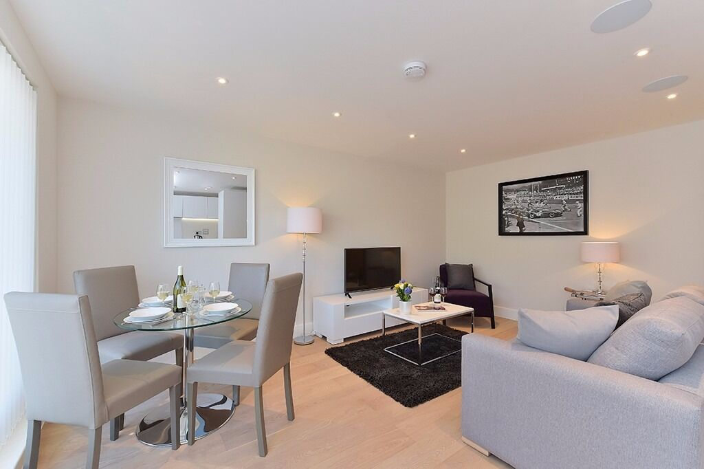 AVAILABLE FROM JANUARY*2bed/1 bath*Fully furnished*3 months minimum
