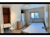 1 bedroom in Bethnal Green Road, London, E2 (#1097626)
