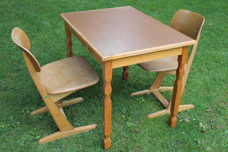 tisch mit 2 st hlen in hessen lampertheim ebay kleinanzeigen. Black Bedroom Furniture Sets. Home Design Ideas