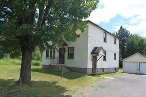2170 Anderson Road - Bachelor Apartment for Rent