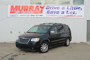 2010 Chrysler Town & Country TOURING* POWER SEATS* 4.0L V6*
