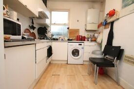 Large apartment with kitchen diner and located within seconds of Bermondsey Sq