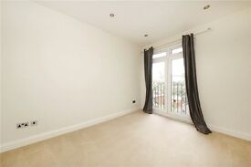 ** PRICE DROP - 2 BED split level flat - unfurn - BALHAM - AV ASAP - 395 p/w **