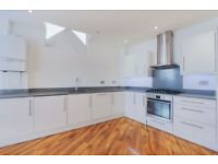 LARGE 1 DOUBLE BED, 1ST FLOOR CONVERTED WAREHOUSE, KENTISH TOWN, CLOSE TO STATION, SHOPS, TRANSPORT