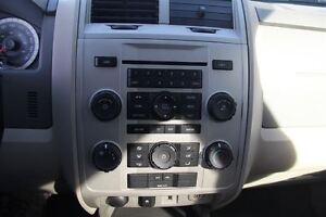 2009 Ford Escape XLT Automatic 3.0L Windsor Region Ontario image 12