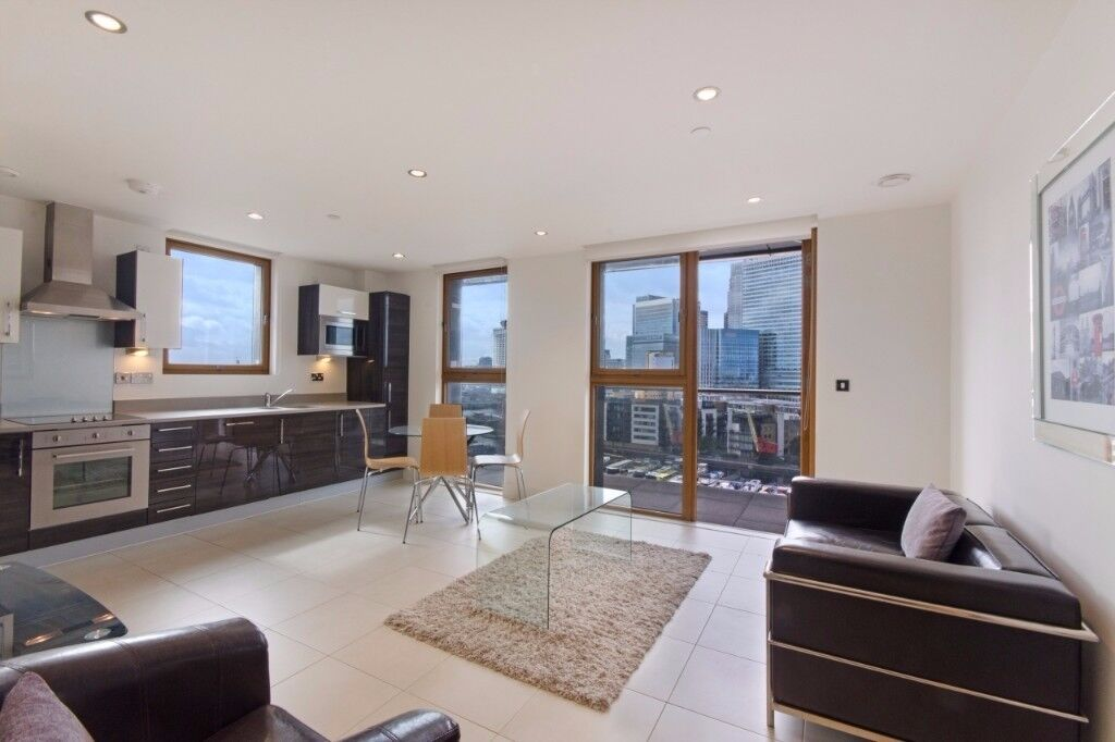 ** AMAZING DOCKS VIEW MODERN 2 BED 2 BATH APARTMENT IN CANARY WHARF AREA, E14, VACANT!! - AW
