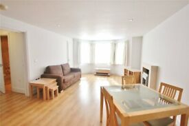 2 bedroom flat in Percy Road, North Finchley, London, N12