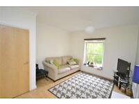 2 bedroom flat in Solomons Court, 451 High Road, London, N12