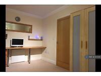 1 bedroom in Dominica Court, Eastbourne, BN23