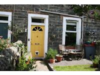 Short term/ holiday let with garden and free on street parking from £400/week, sleeps 5