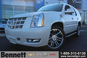 2014 Cadillac Escalade 6.2 V8 4x4 - Nav, Sunroof, Heated Steerin