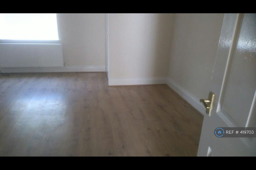 2 Bedroom House In Blyth Street Newcastle Upon Tyne Ne17 2 Bed