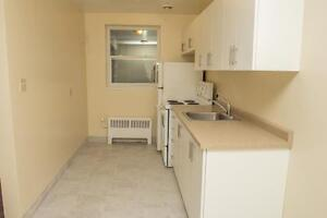 1 Bedroom just short walk to Downtown (Old South) Pet Friendly