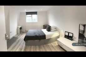 1 bedroom in Colliers Wood, London, SW19 (#1057398)