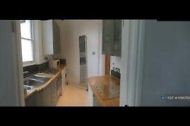 1 bedroom flat in Highgate, London, N6 (1 bed) (#1098795)