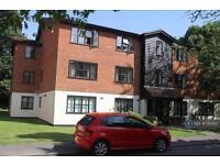 2 bedroom flat in Queens Road, Weybridge, KT13 (2 bed)