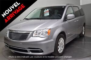 2016 Chrysler Town & Country EN ATTENTE D'APPROBATION