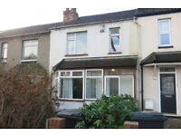 Muller Road, Horfield - Three Bedroom House to Rent