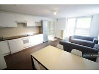 4 bedroom flat in Forge Place, London, NW1 (4 bed) (#1097491)