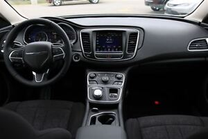 2016 Chrysler 200 Limited *SERVICE LOANER* London Ontario image 2