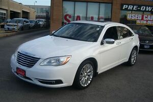 2012 Chrysler 200 Limited/Navigation/Back up Cam