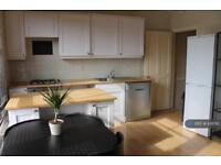 2 bedroom flat in South Ealing Road, London, W5 (2 bed)