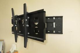 tv wall bracket with wall screws