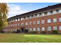A three bed apartment with modern kitchen and communal gardens close to North Finchley High Road