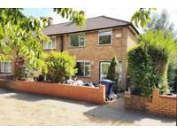 3 bedroom house in 3 bed semi-detached house Hillary Rd, Southall