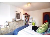 **3 DOUBLE Bedroom flat plus living room in the Heart of CROUCH END!! Perfect for sharers!!**